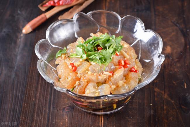 凉拌海蜇头怎么做好吃(怎样做出好吃的凉拌海蜇头)