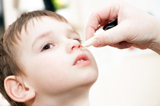 儿童鼻炎吃什么药(儿童过敏性鼻炎7点释疑)