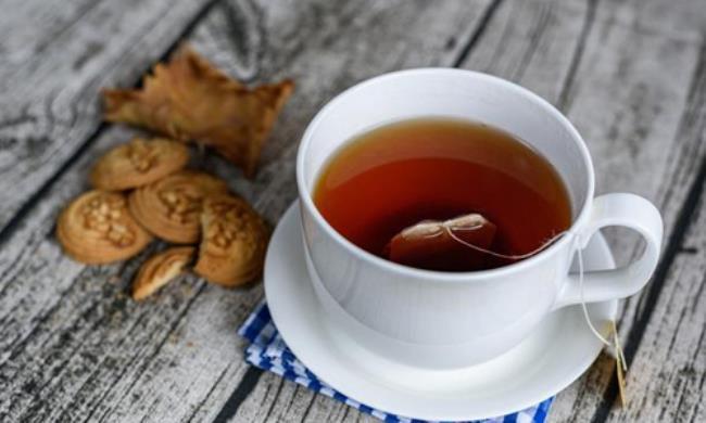 喝红茶有什么好处(常红茶喝有什么好处和坏处)