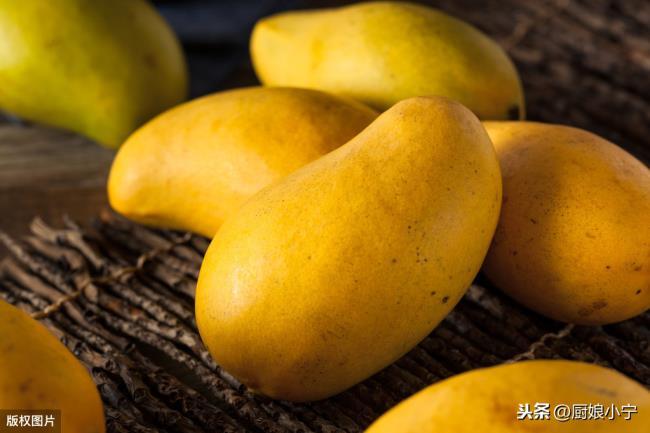 芒果和菠萝能一起吃吗(芒果好吃不会挑也不会剥)