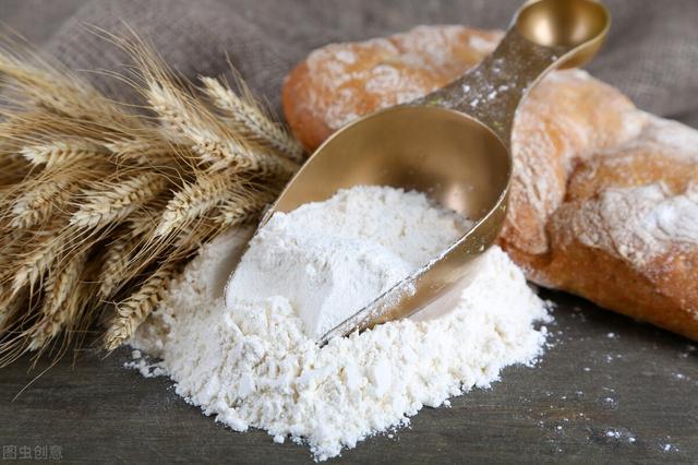 做月饼的面粉用啥面粉(面包要用什么面粉做)