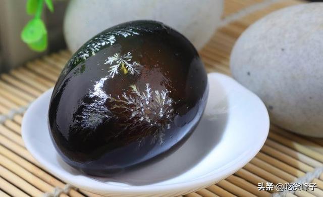 松花蛋怎么吃(哪个牌子松花蛋最好吃)